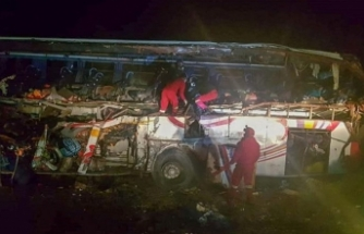 Bolivya'da otobüs uçurumdan uçtu! Çok sayıda ölü var