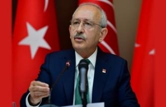 CHP lideri Kılıçdaroğlu'na cenazede saldırı