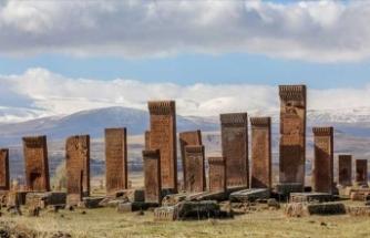 Dünyanın en büyük Türk İslam mezarlığı yeşile bürünecek