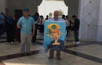 Erdoğan'ın posterini açınca gözaltına alındı