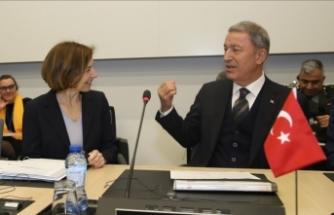Milli Savunma Bakanı Akar Fransız mevkidaşı ile görüştü