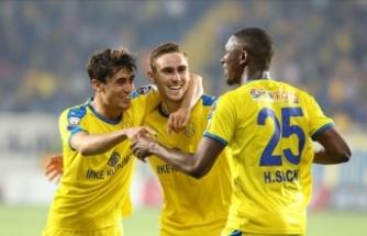 Ankaragücü 3 puana 3 golle uzandı
