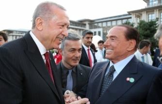 Berlusconi'den sürpriz Türkiye çağrısı