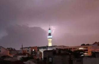 İstanbul'da gök delindi