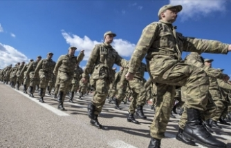 Askerlik süresini 6 aya indiren teklif TBMM'de kabul edildi