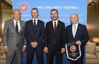 'Büyük borçlanmalar kulüplerimizi içine alan bir girdaba dönüştü'