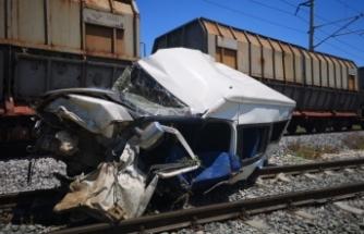 Mersin'de tren faciası! Ölü ve yaralılar var