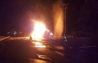 Sakarya'da etil asetat yüklü tanker yandı: 3 yaralı