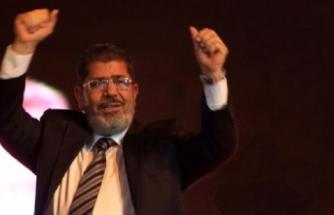 Uzmanlardan dikkat çeken iddia: Mursi zehirlenmiş olabilir!
