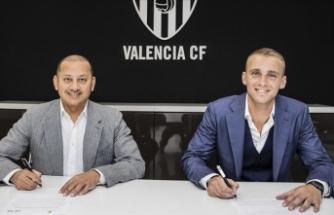 Valencia kaleci Cillessen'i kadrosuna kattı