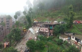 4 katlı bina çöktü: 12 ölü, 40 kişi kurtarılmayı bekliyor!