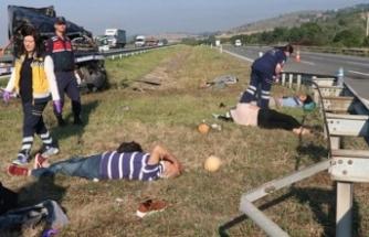 Cenaze dönüşü feci kaza: Ölü ve yaralılar var
