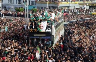 Cezayir Milli Takımı 'Çöl Savaşçıları'na coşkulu karşılama