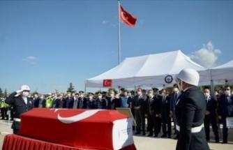 Eskişehir'deki trafik kazasında yaralanan iki polisten biri şehit oldu