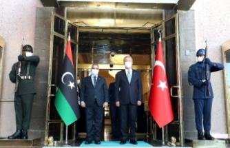 Ankara'da önemli görüşme: Bakan Akar, El-Meşri ile bir araya geldi