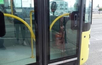 Belediye otobüsünde maske kavgası: Şoför yolcuyu bıçakladı!
