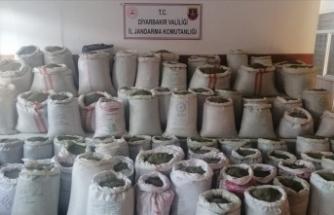 Diyarbakır'da 1 tondan fazla esrar ele geçirildi