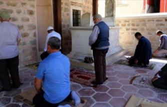 Edirne'de son cemaat yerinde şehit kabri bulunan tarihi cami restore edildi