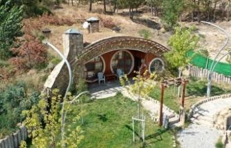 Koronadan korkup tatil isteyenlerin yeni adresi: 'Hobbit evleri'