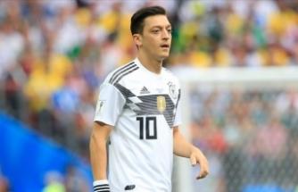 'Mesut Özil, Alman formasıyla büyük bir tarih yazan oyuncudur'