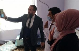 Milli Eğitim Bakan Selçuk Ağrı'daki köy öğretmenleriyle telefonda görüntülü görüştü