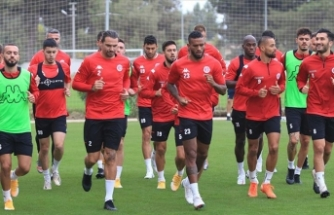 Antalyaspor Fenerbahçe'yi gözüne kestirdi