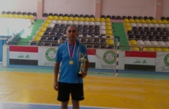 Çavuşoğlu, turnuva tarihinde altın madalya kazanan ilk Türk sporcu oldu