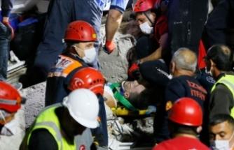 Enkaz altından 28 yaşındaki futbolcu sağ olarak çıkarıldı