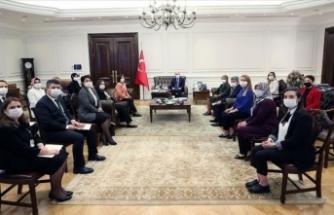 İçişleri Bakanı Soylu kadın muhtarlarla buluştu