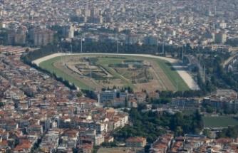 İzmir'de Şirinyer Hipodromu'nu halkın kullanımına açıldı