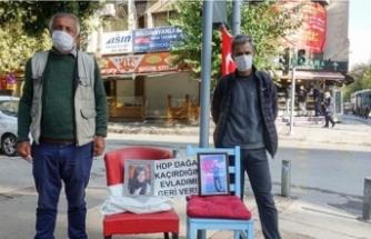 İzmir'deki evlat nöbetine bir baba daha katıldı