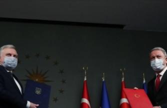 Milli Savunma Bakanı Akar Ukraynalı mevkidaşı Taran ile görüştü