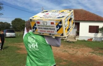 Türk beklenendir! İHH'dan Karadağ'daki huzurevine yardım