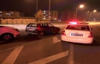 Sokağa çıkma kısıtlamasını ihlal eden alkollü sürücü denetimde yakalandı