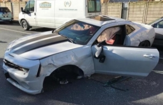 Ünlü Youtuber trafik kazası geçirdi