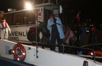 Ayvalık'ta 38 sığınmacı kurtarıldı
