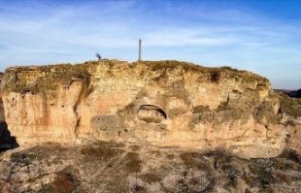 Diyarbakır'da 1600 yıllık kaya kilise