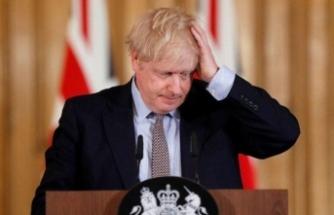 Dünya Johnson'ı konuşuyor: Başını öne eğdi ve açıkladı