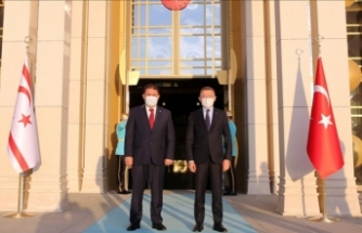 Fuat Oktay KKTC Başbakanı Saner ile görüştü