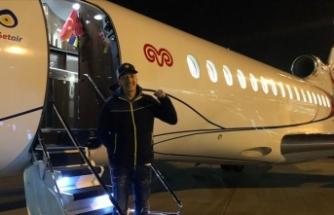 Koç'un uçağı Mesut Özil için havalandı