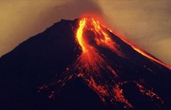 Merapi Yanardağı 6 saatte 36 kez lav püskürttü