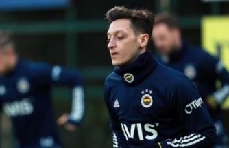 Mesut Özil çılgınlığı: 60 medya, 130 gazeteci...