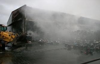 Samsun'da yangın: İş yerleri ve otomobiller yandı