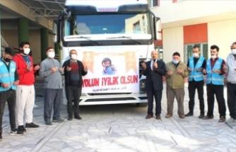 İyilikler dualarla Suriye'ye uğurlandı