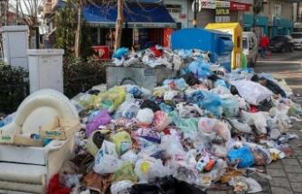 Maltepe sokaklarında çöp yığınları: İşçiler grevde