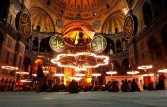 Necmettin Erbakan Ayasofya'da dualarla anıldı