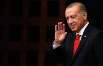 Öğrenciler Erdoğan'ın doğum gününü 'Çok Yaşa Tayyip Dede' şarkısıyla kutladı