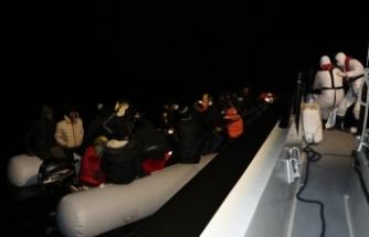 36 sığınmacı  batmak üzereyken kurtarıldı