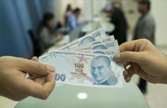 Bakan duyurdu: Kredi ve burslar hesaplara yatırılmaya başlandı