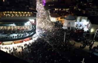 Taksim'de toplanan kadın grupları ezanı ıslıkladı!